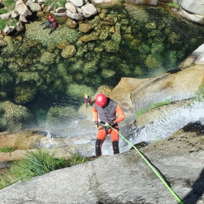 Abseilen tijdens Canyoning in Portugal